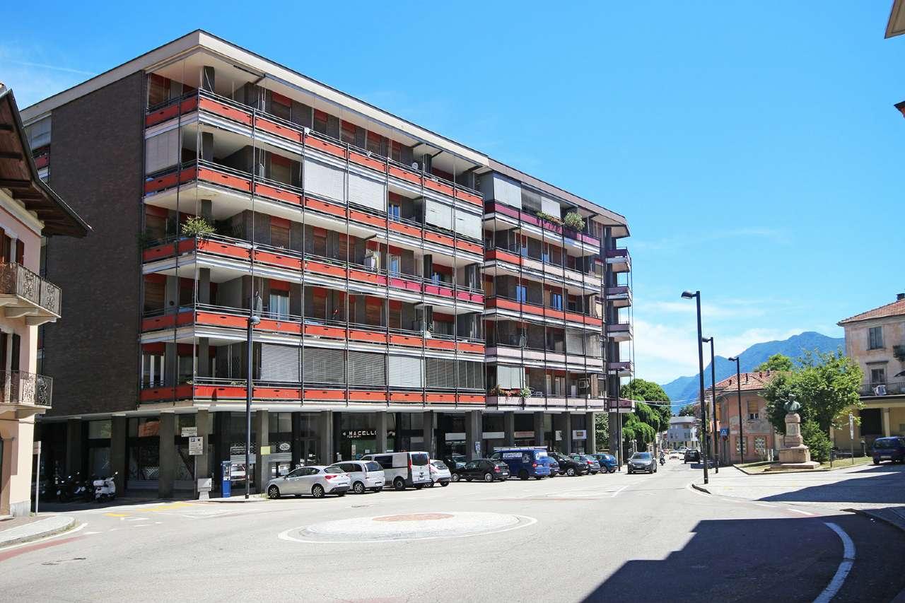 Foto 1 di Appartamento via Della Resistenza, frazione Intra, Verbania