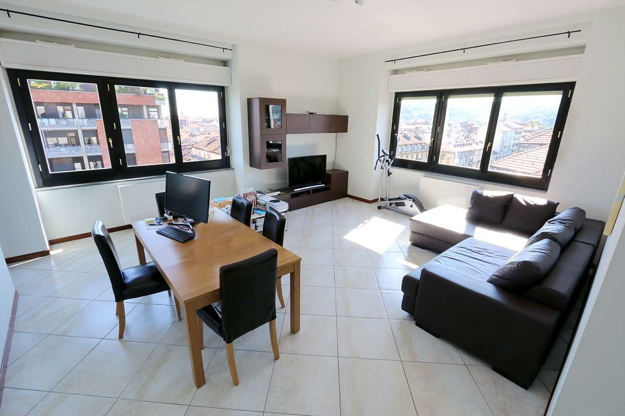 Foto 1 di Appartamento corso Marconi, Torino (zona San Salvario)