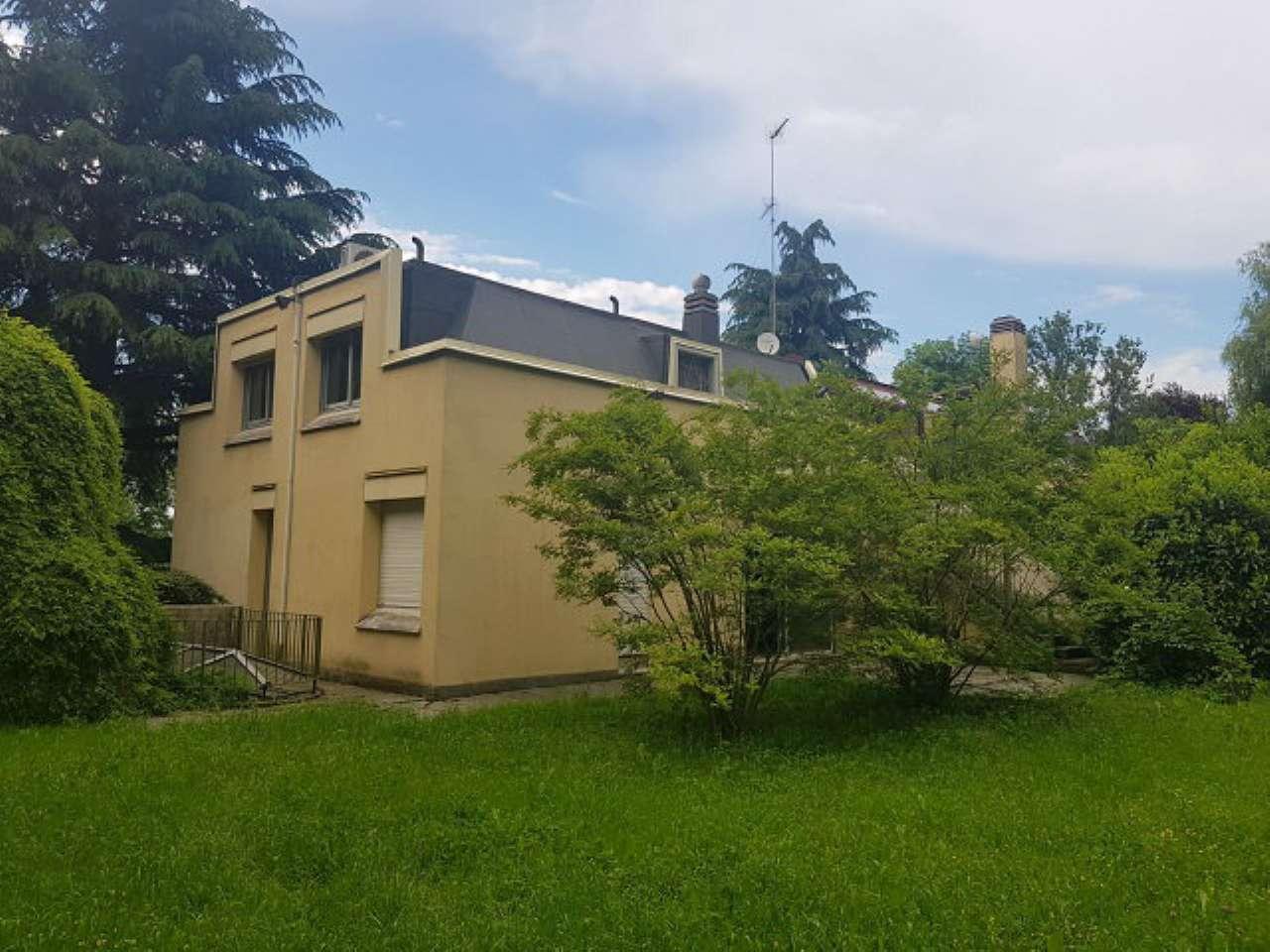 Torino Affitto VILLA BIFAMILIARE