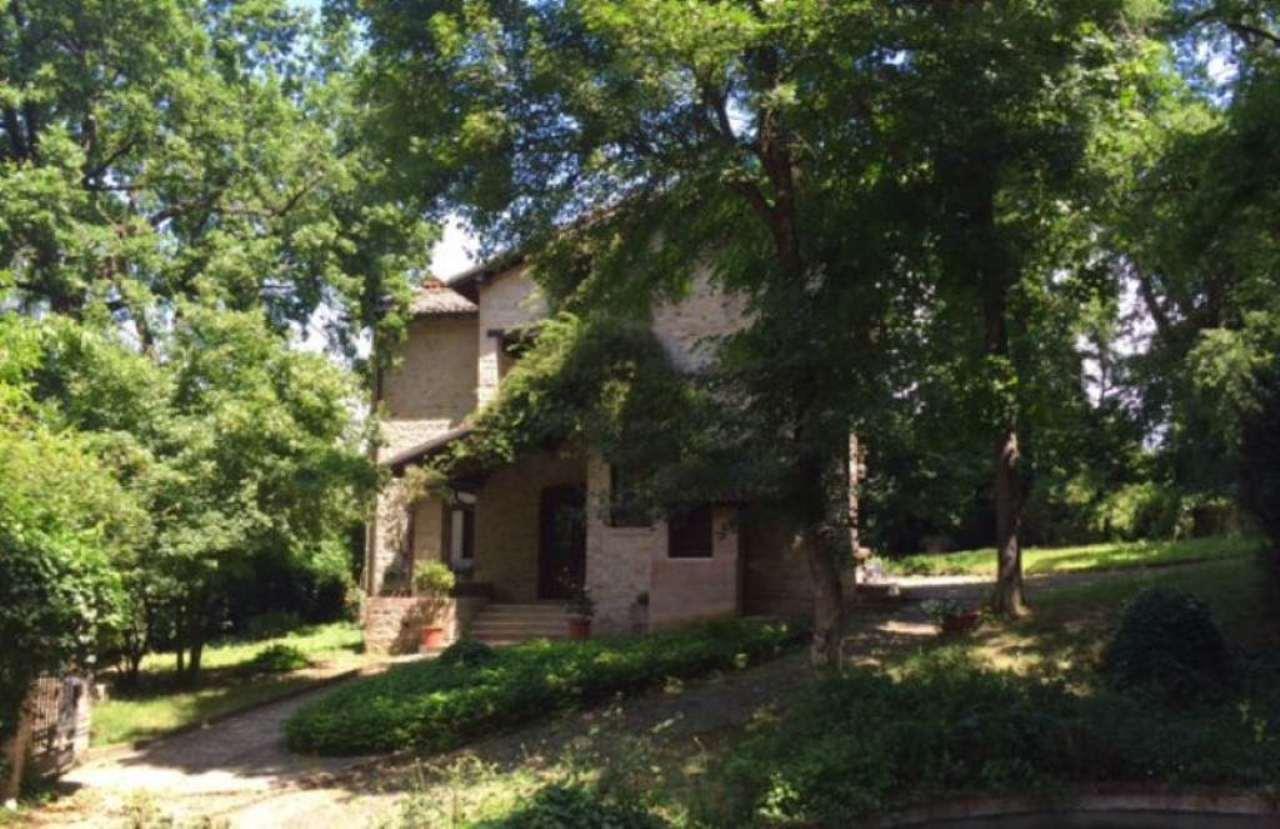 Villa in affitto a Fiorano Modenese, 10 locali, prezzo € 2.500 | CambioCasa.it