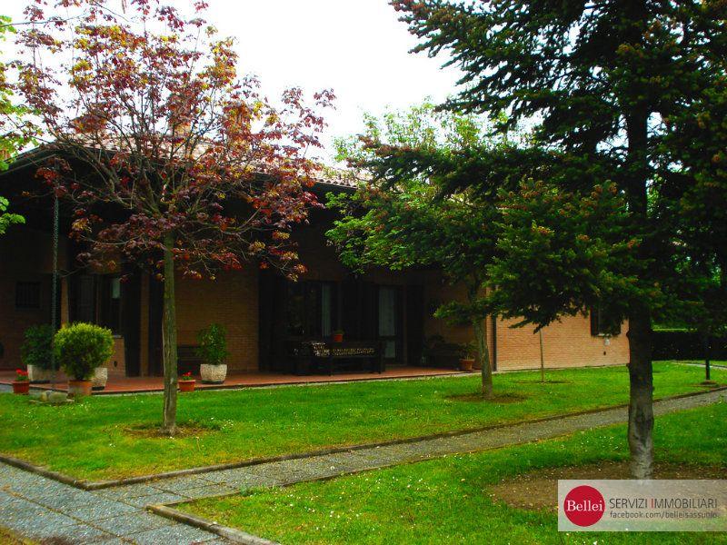 Villa in vendita a Formigine, 15 locali, Trattative riservate | CambioCasa.it