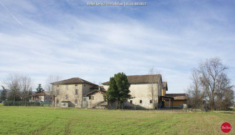 Rustico / Casale in vendita a Casalgrande, 8 locali, prezzo € 650.000 | CambioCasa.it