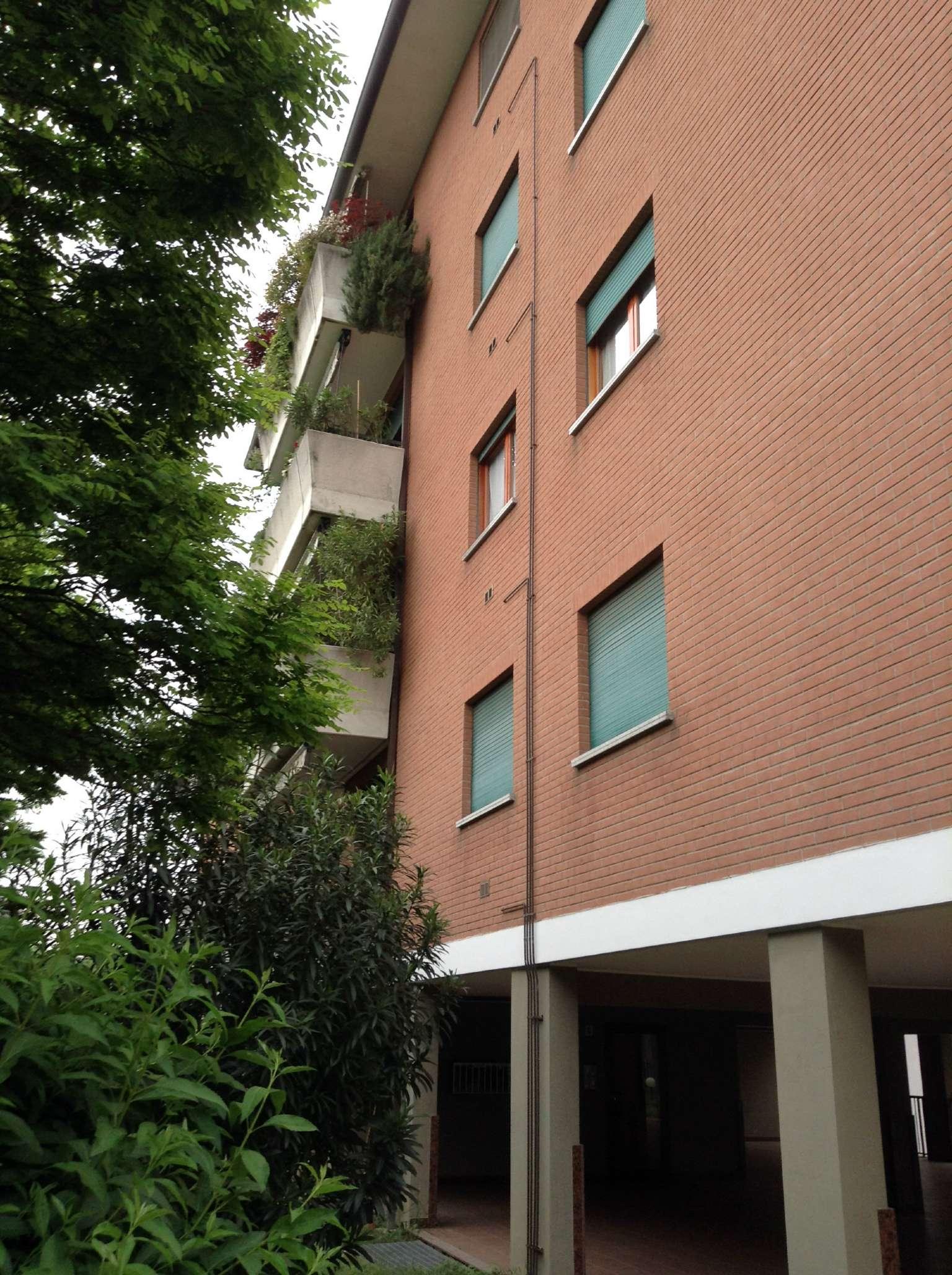 Bilocale Senago Via Fosse Ardeatine 10