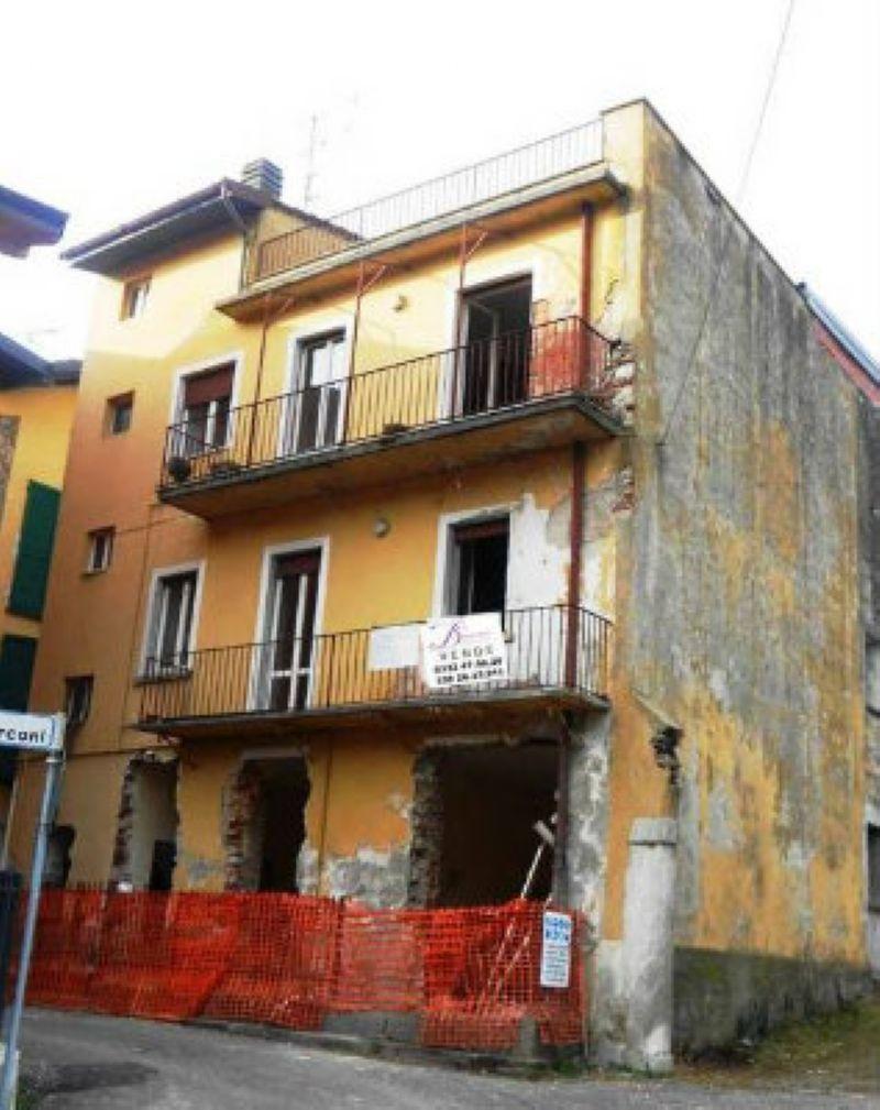 Casa indipendente in vendita a Bisuschio