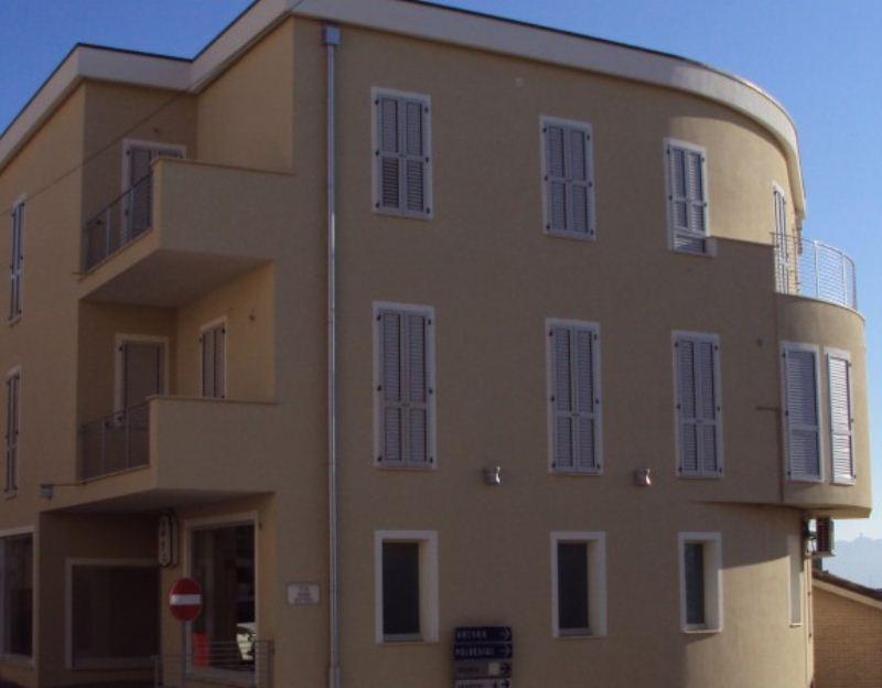 Appartamento in vendita a Agugliano, 2 locali, prezzo € 115.000 | Cambio Casa.it