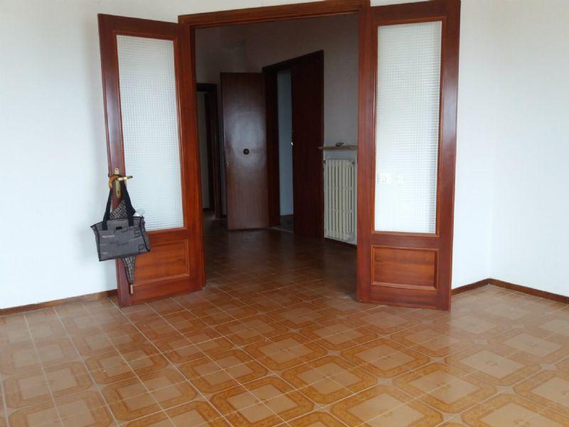 Appartamento in vendita a Polverigi, 4 locali, prezzo € 140.000 | Cambio Casa.it