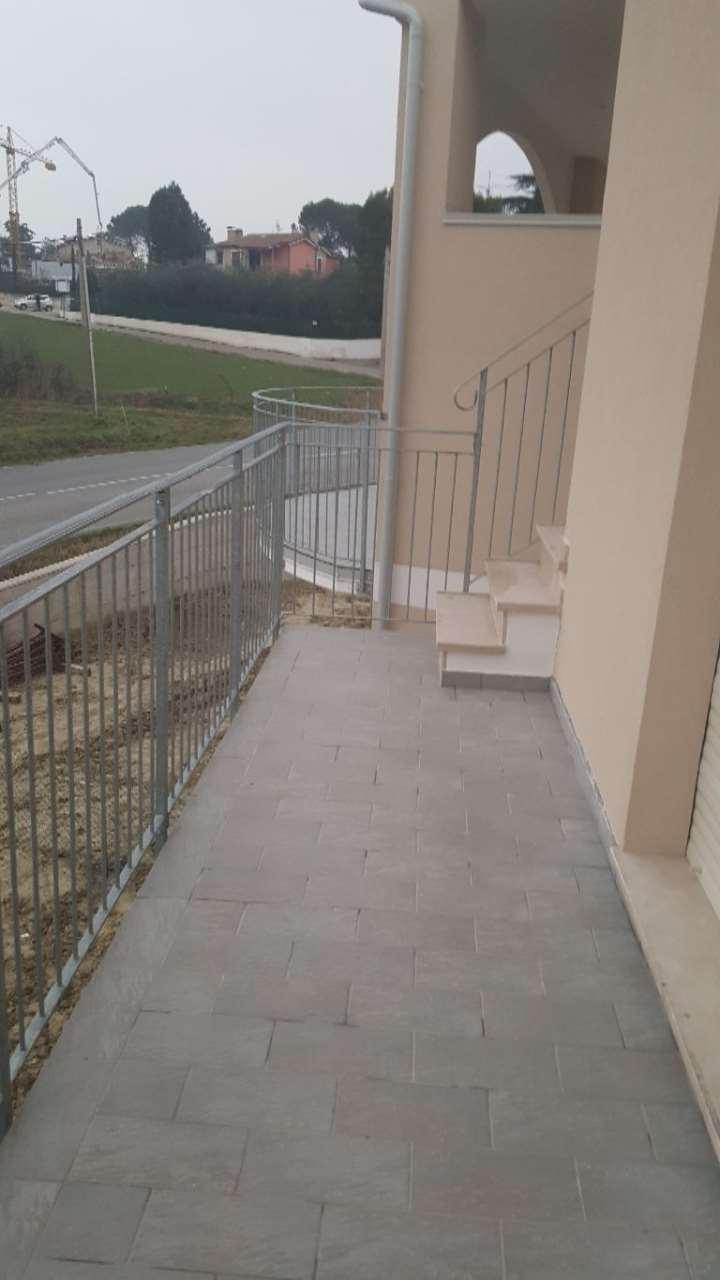 Appartamento in vendita a Osimo, 3 locali, prezzo € 193.000 | Cambio Casa.it