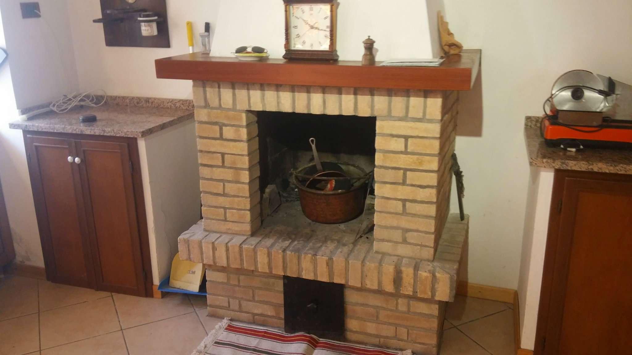 Appartamento in vendita a Agugliano, 3 locali, prezzo € 78.000 | CambioCasa.it