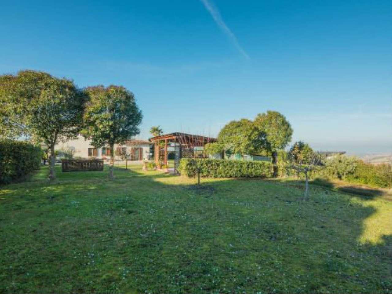 Villa in vendita a Polverigi, 7 locali, prezzo € 268.000 | Cambio Casa.it