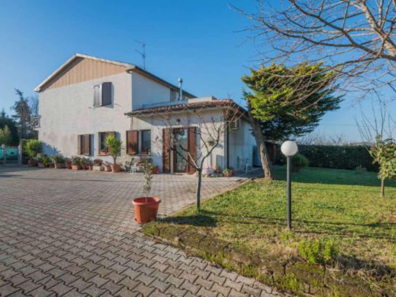 Villa in vendita a Polverigi, 7 locali, prezzo € 268.000   CambioCasa.it