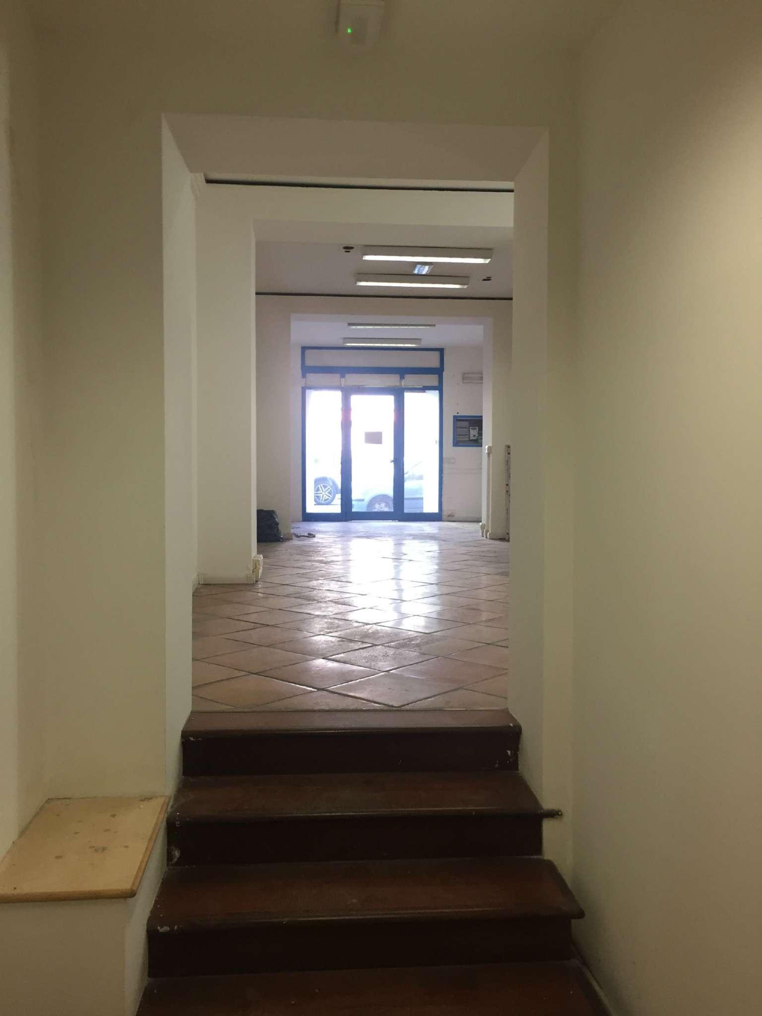 Laboratorio in affitto a Ancona, 9999 locali, prezzo € 700 | CambioCasa.it