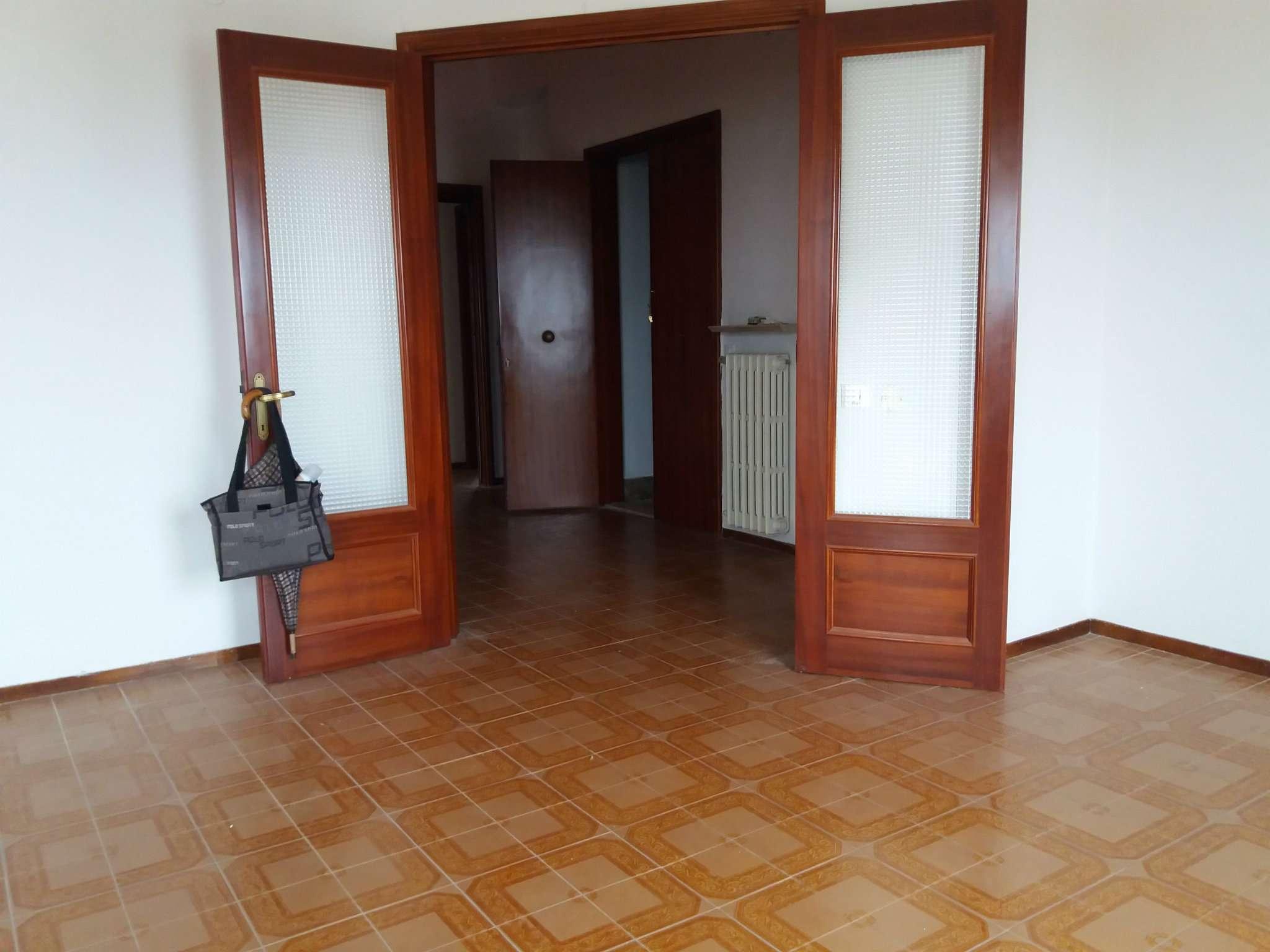 Appartamento in affitto a Polverigi, 4 locali, prezzo € 450 | Cambio Casa.it