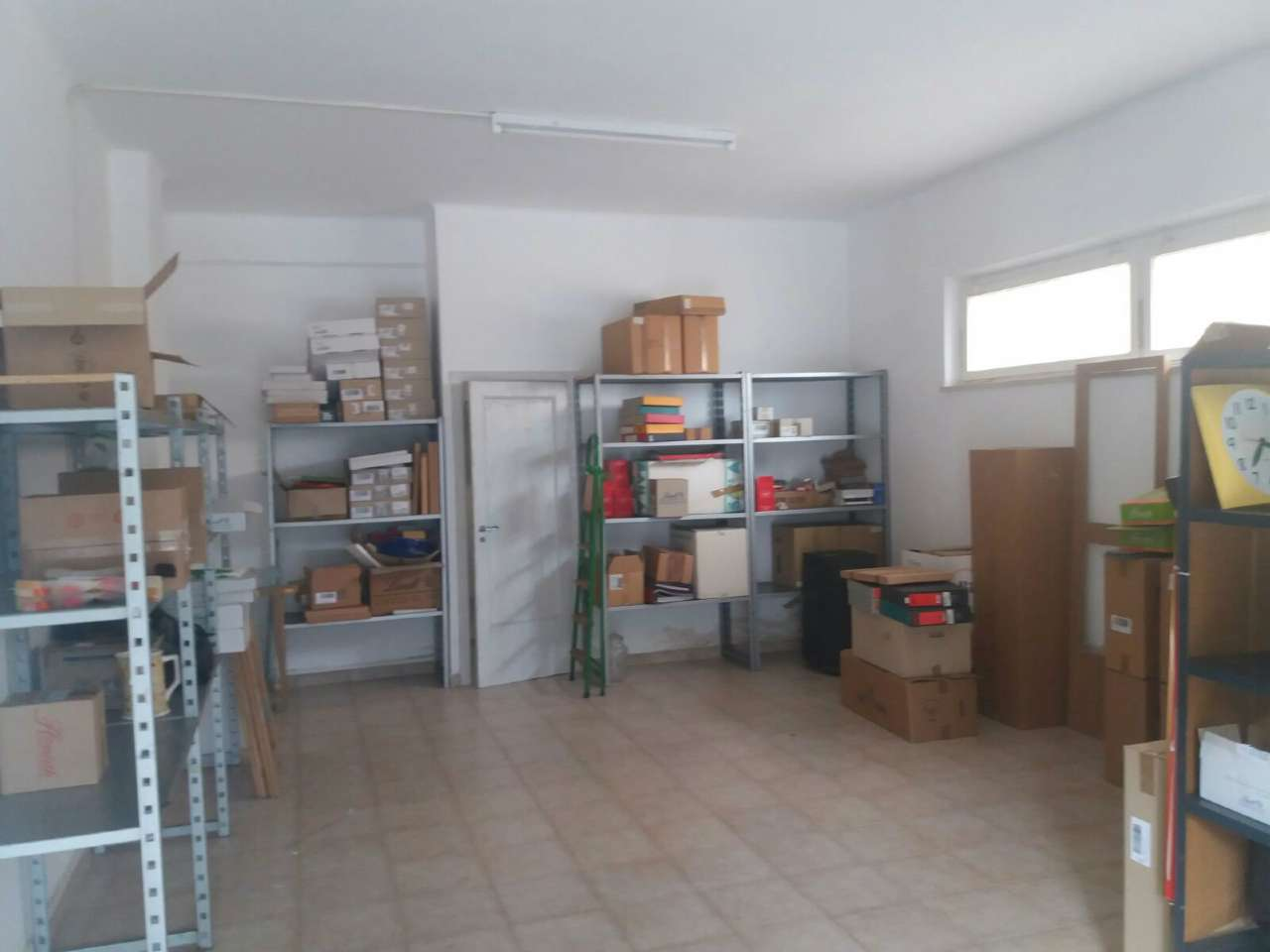 Magazzino in vendita a Ancona, 1 locali, prezzo € 48.000 | CambioCasa.it