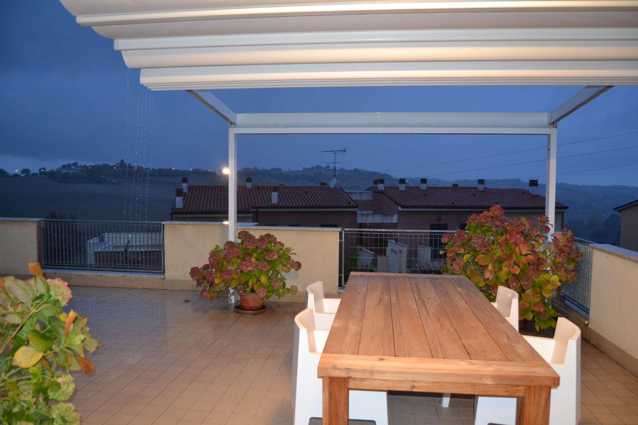 Appartamento in vendita a Agugliano, 4 locali, prezzo € 198.000 | CambioCasa.it