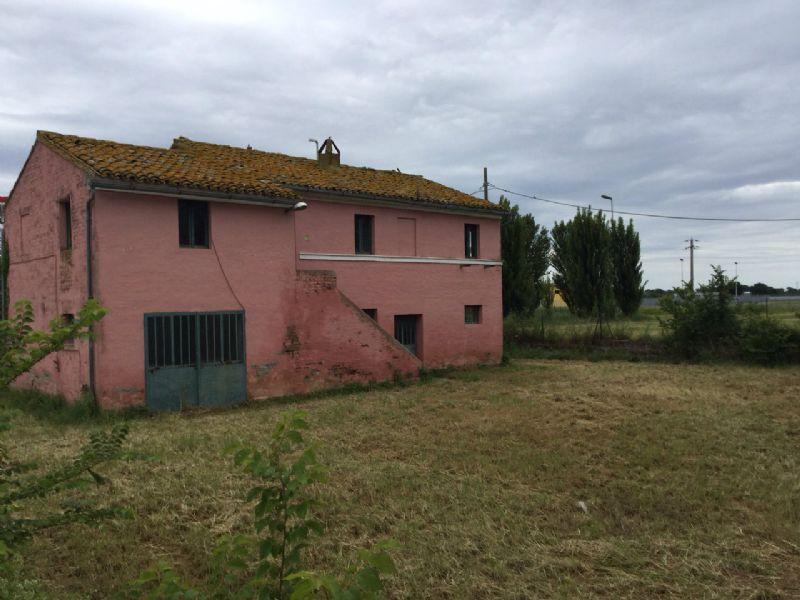 Rustico / Casale in vendita a Recanati, 5 locali, prezzo € 135.000 | Cambio Casa.it