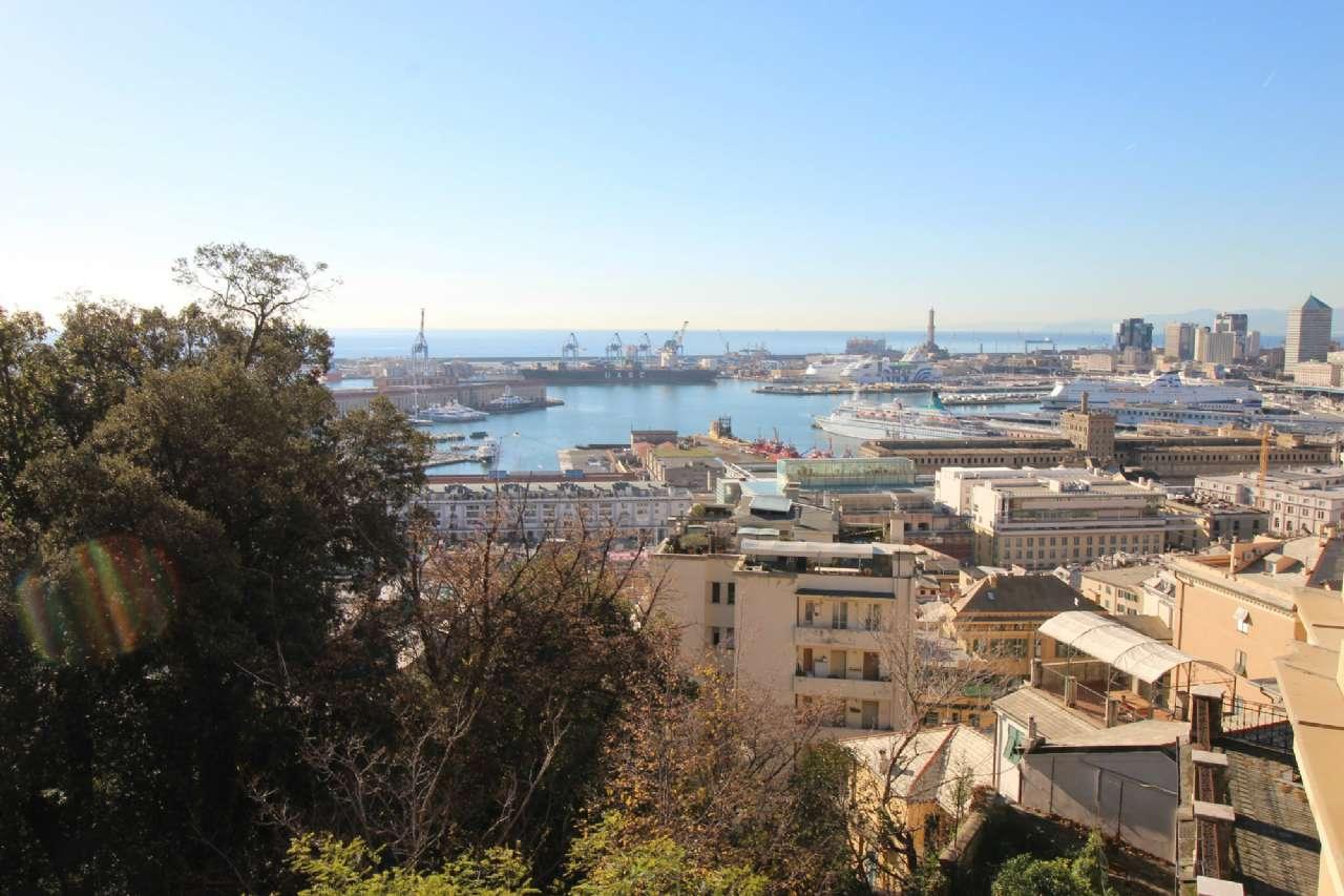 Foto 1 di Appartamento corso DOGALI, Genova (zona Centro città)