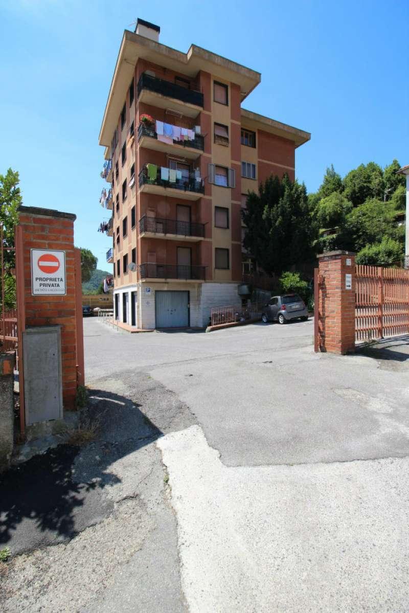 Foto 1 di Trilocale via INFERIORE RIO MAGGIORE, Genova (zona Valbisagno (Prato-Molassana-Struppa-S.Gottardo-S.Eusebio))