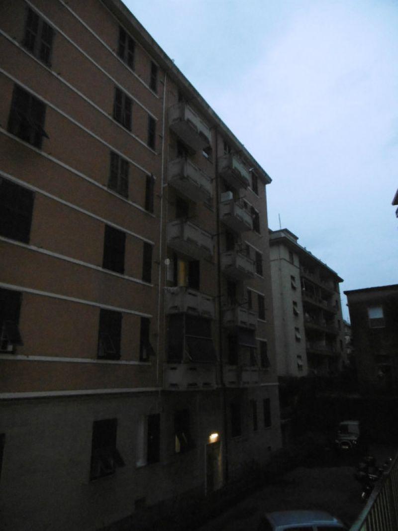 Bilocale Genova Via Maroncelli 3