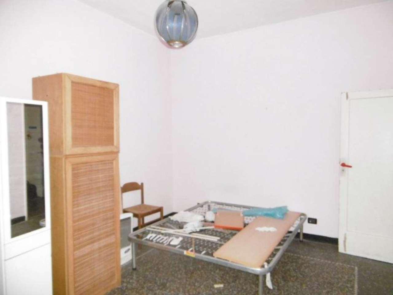 Bilocale Genova Via Maroncelli 6