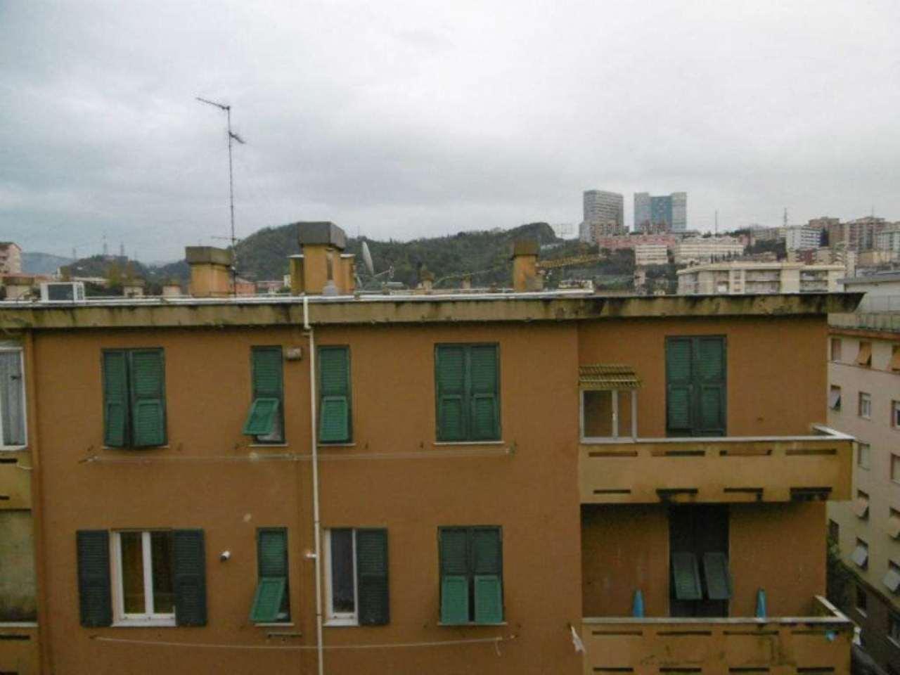 Bilocale Genova Via Maroncelli 7