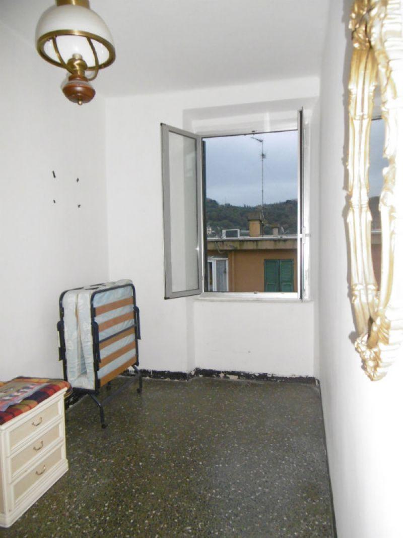 Bilocale Genova Via Maroncelli 11