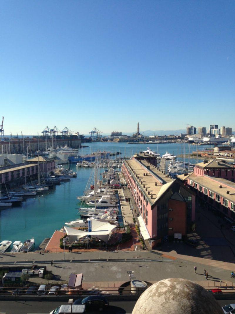 Ufficio quadrilocale in affitto a Genova (GE)