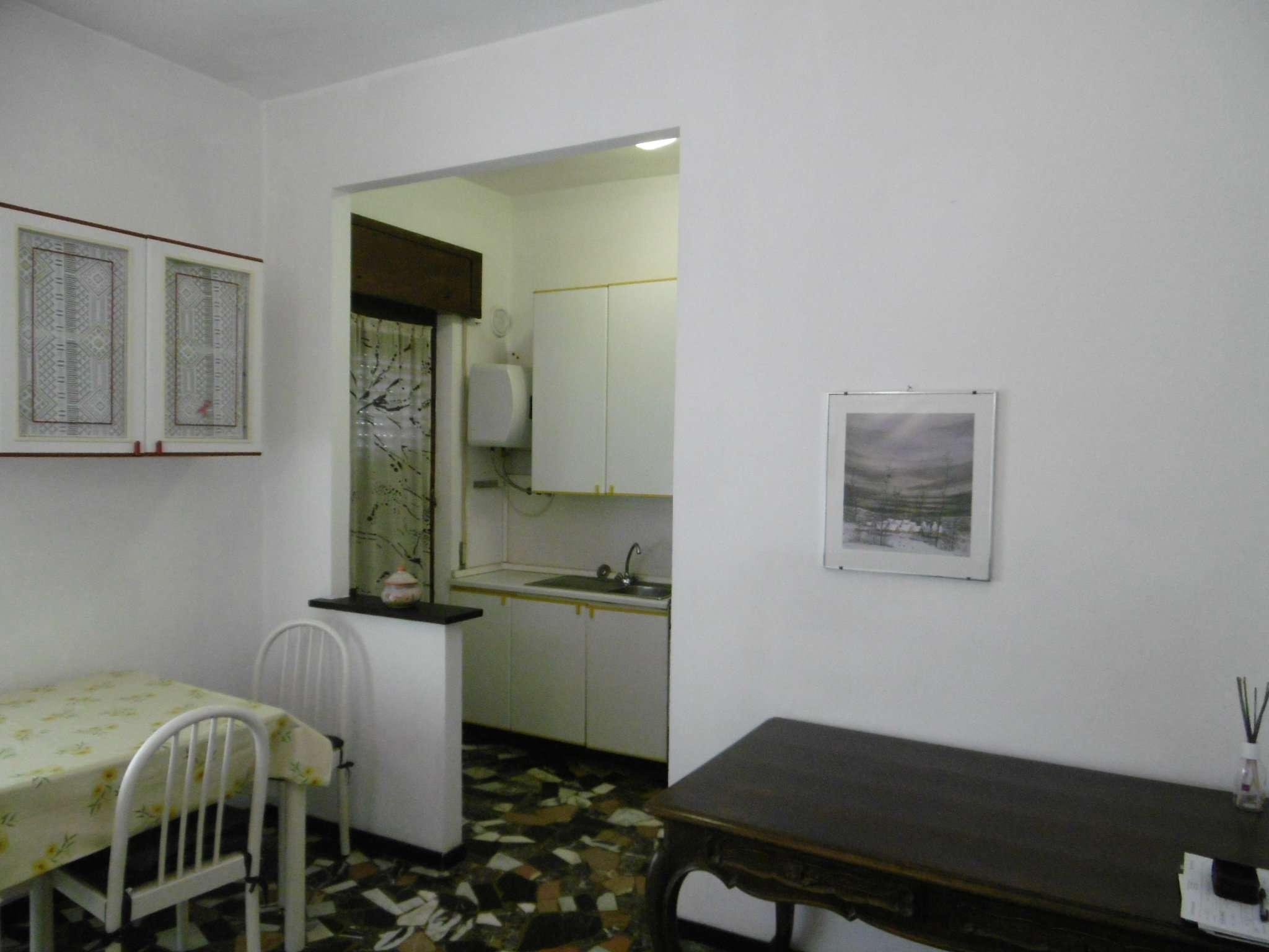 Bilocale Genova Via 16 Giugno 8