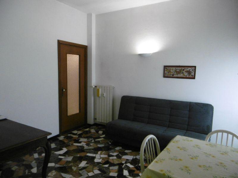 Bilocale Genova Via 16 Giugno 10