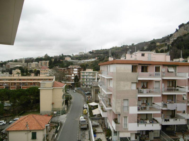 Bilocale Genova Via 16 Giugno 4