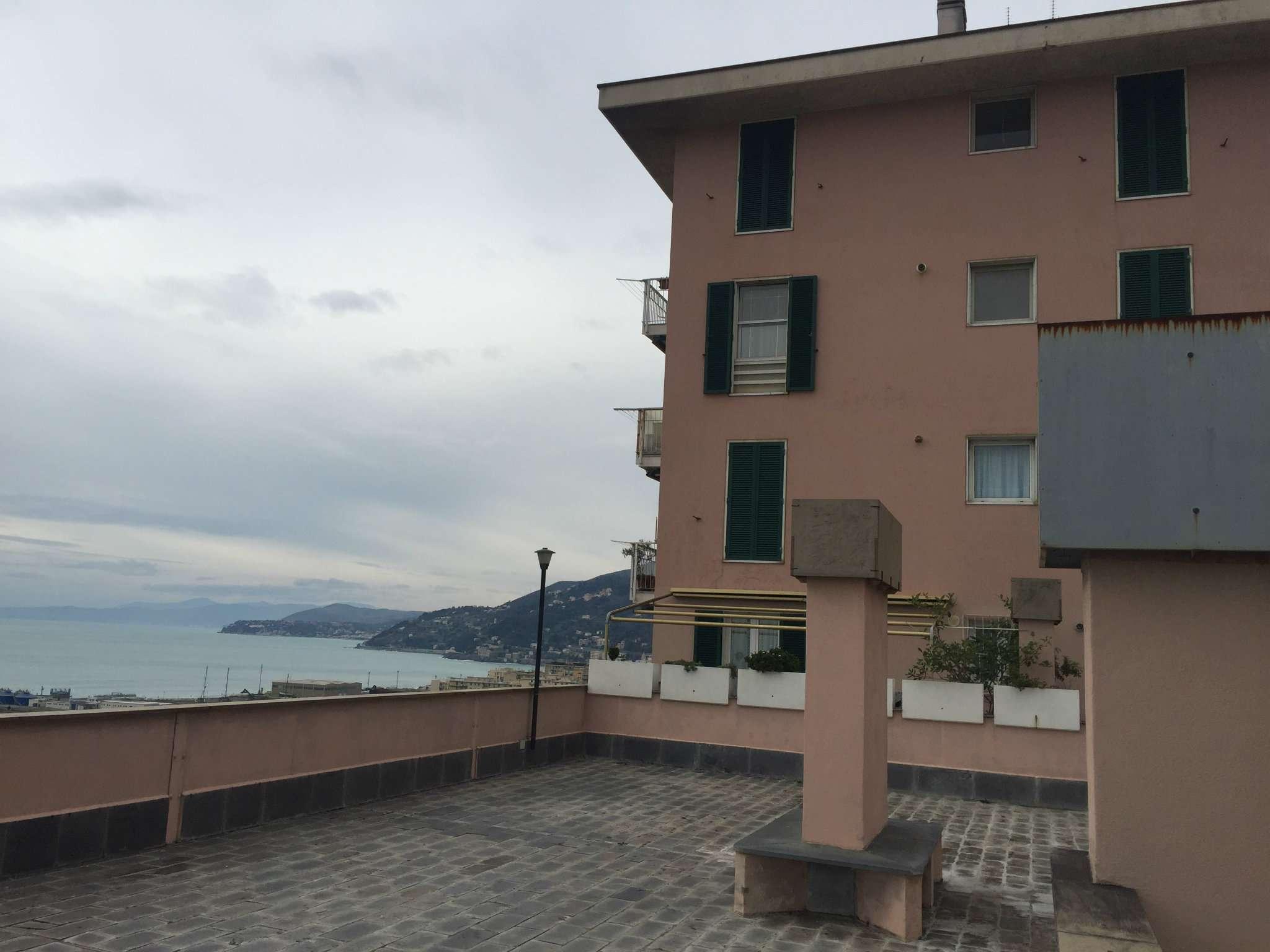 Bilocale Genova Via Montanella 6