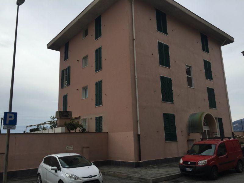 Bilocale Genova Via Montanella 7