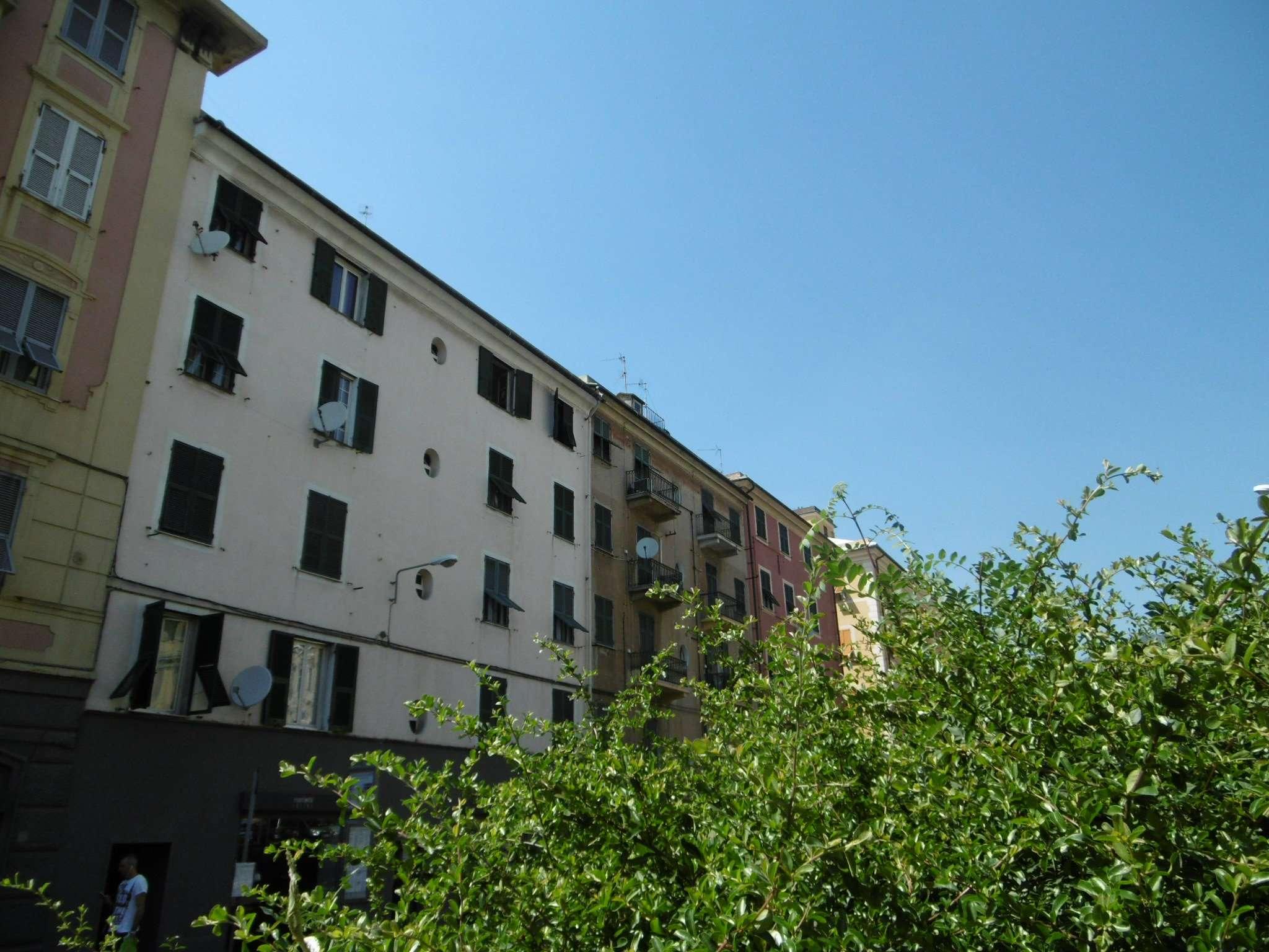 Bilocale Genova Via Hermada 1