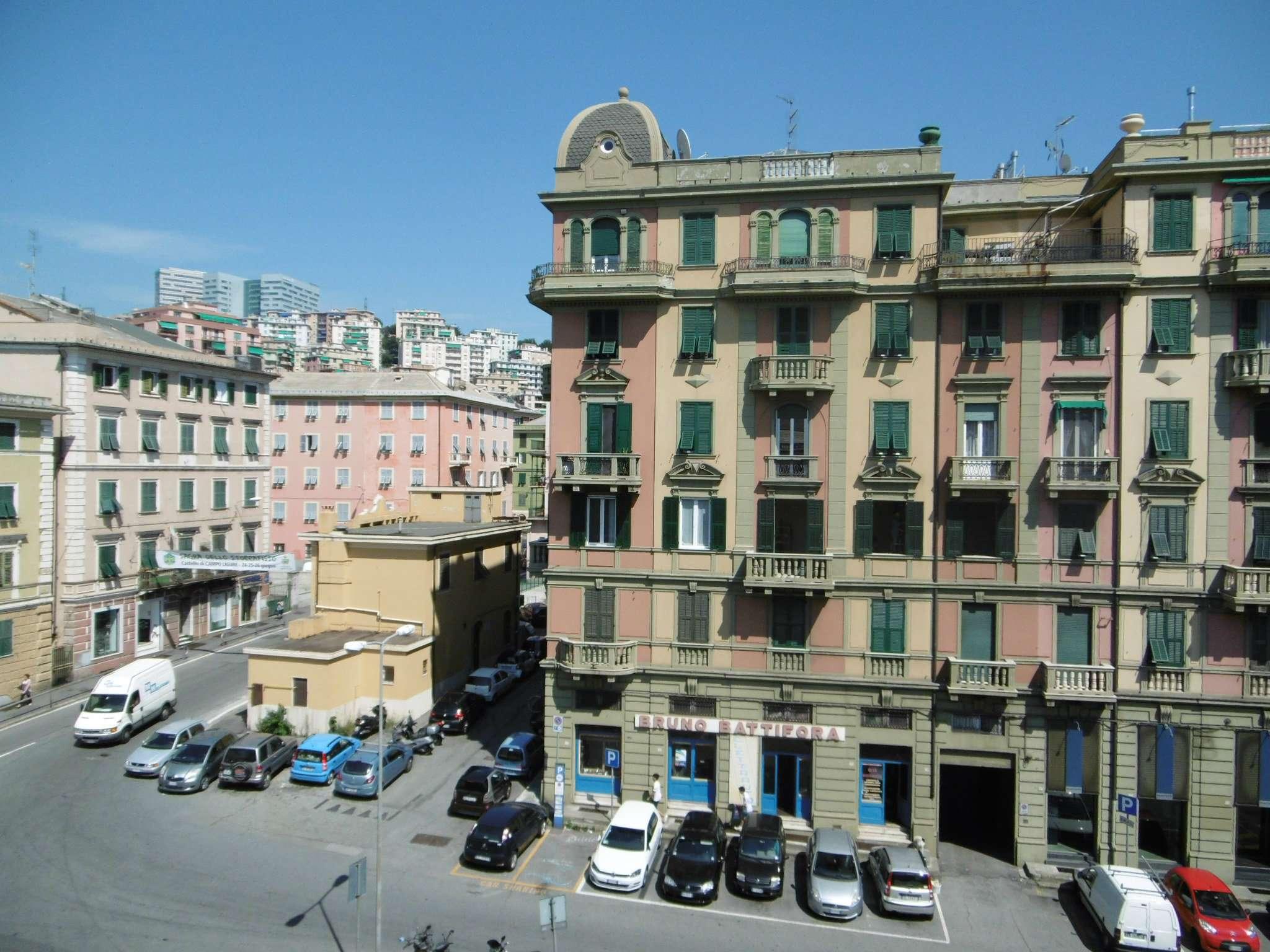 Bilocale Genova Via Hermada 10