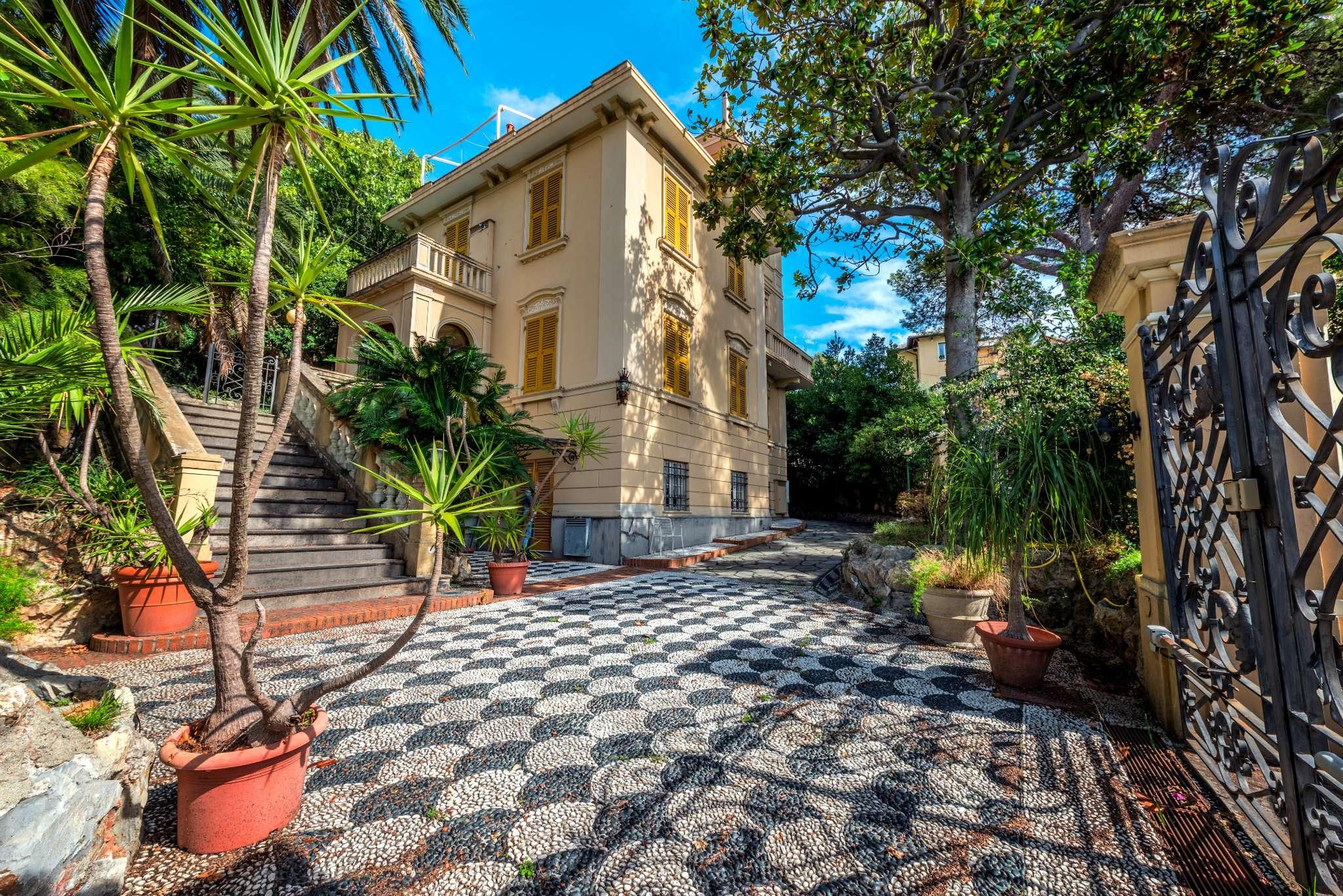 Villa unifamiliare indipendente in vendita a genova ge nervi cerco ville case a genova - Vendita villa con piscina genova ...