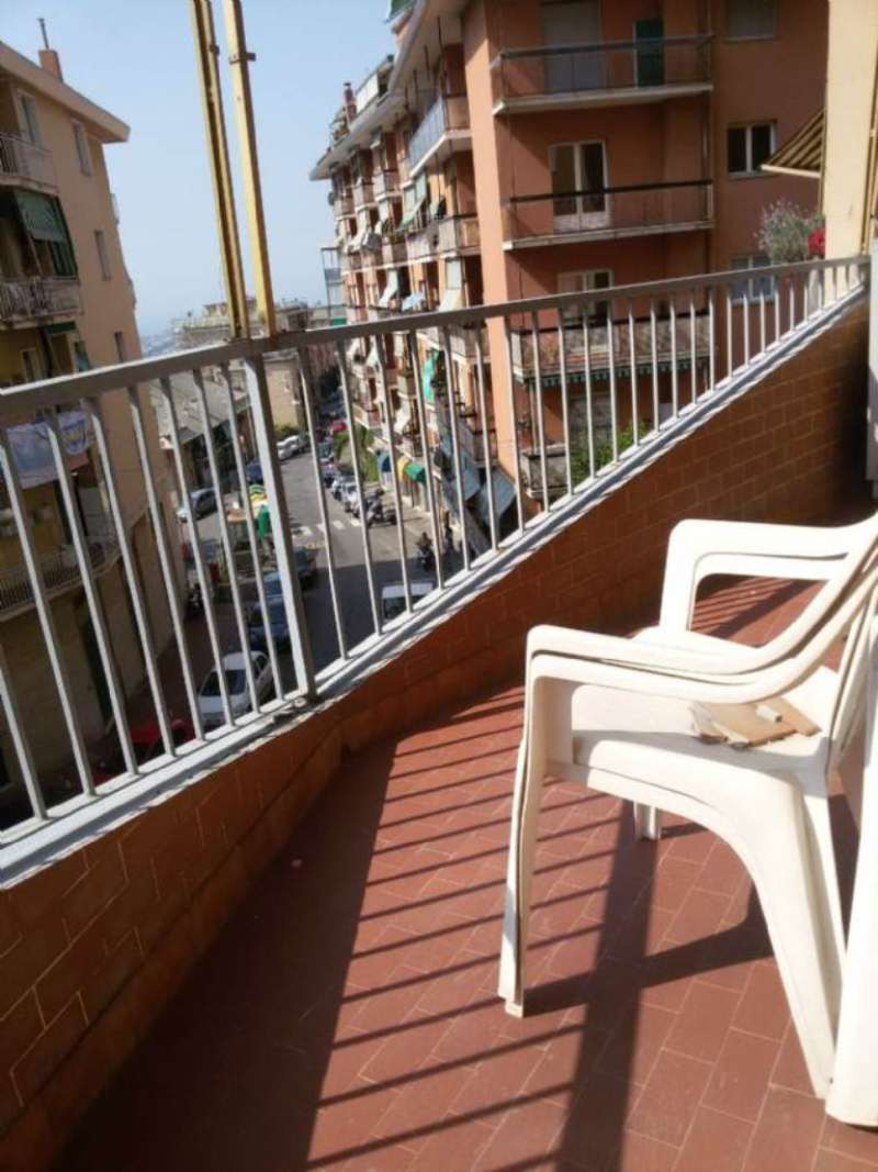 Bilocale Genova Via Robino 11