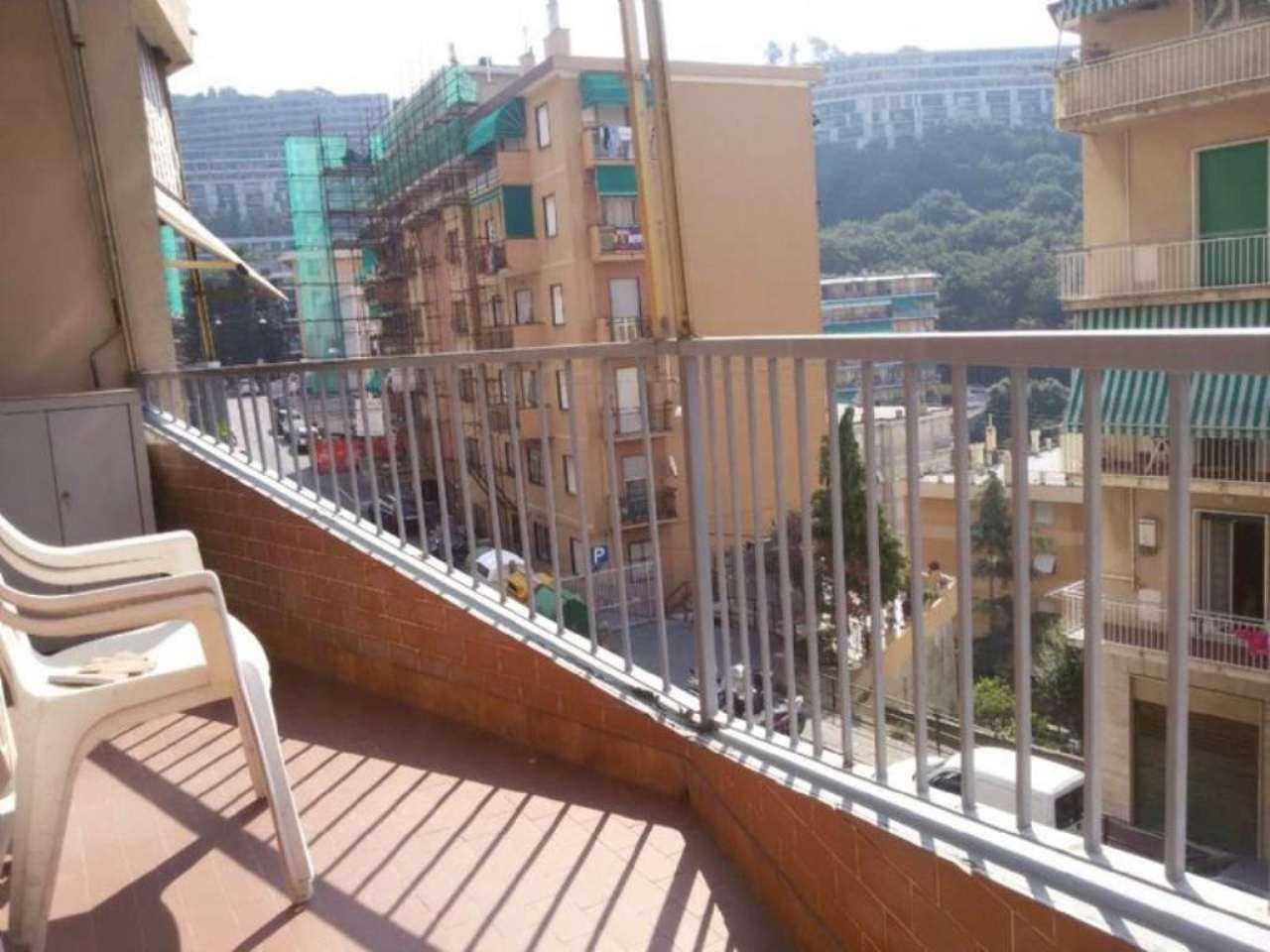 Bilocale Genova Via Robino 10