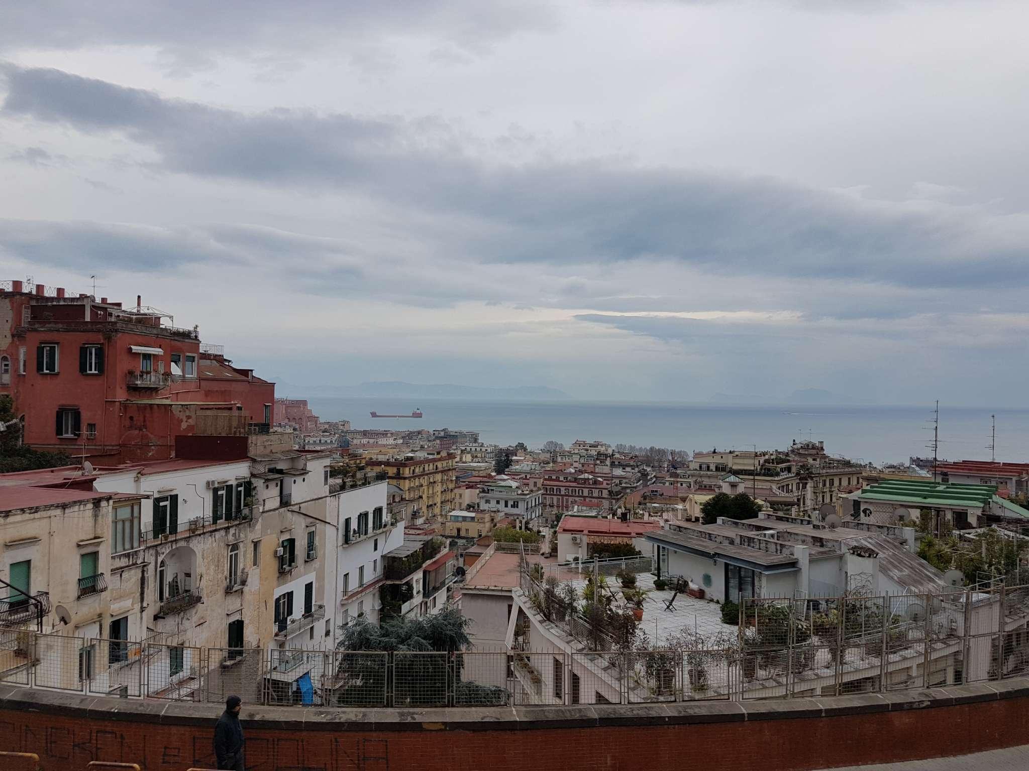 Appartamento in affitto a Napoli, 9999 locali, zona Zona: 1 . Chiaia, Posillipo, San Ferdinando, prezzo € 1.100 | Cambio Casa.it