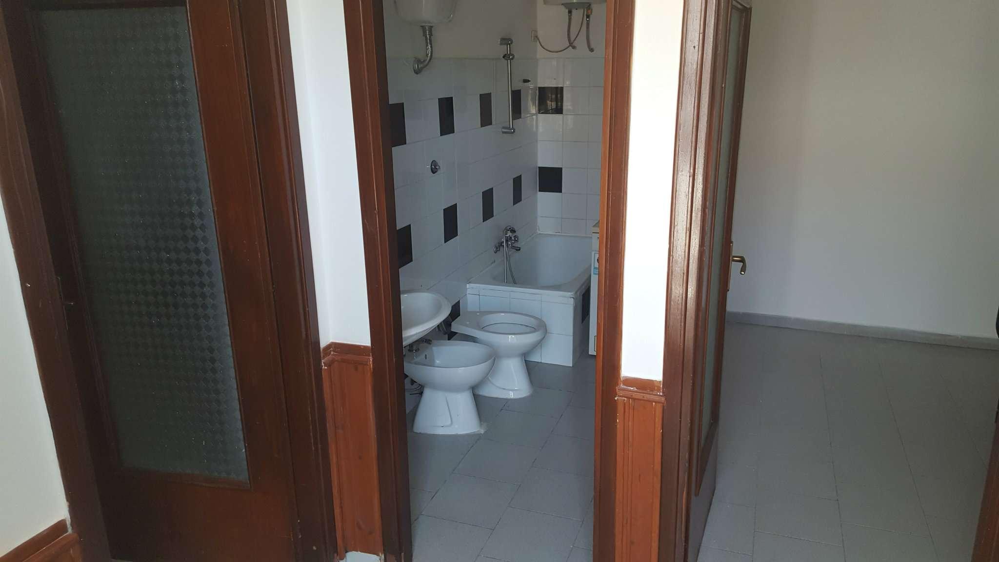 Appartamento in affitto a Napoli, 2 locali, zona Zona: 10 . Bagnoli, Fuorigrotta, Agnano, prezzo € 250 | CambioCasa.it