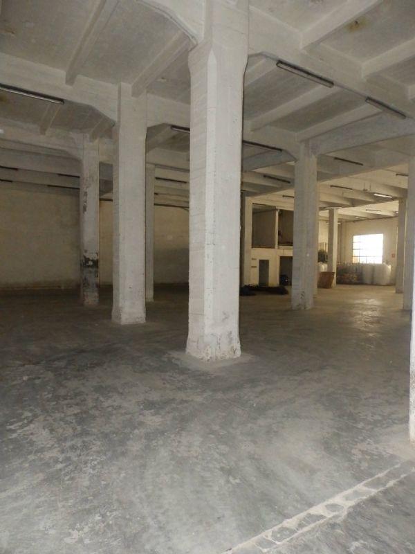 Capannone in affitto a Genova, 9999 locali, zona Zona: 9 . Cornigliano, prezzo € 3.700 | Cambio Casa.it