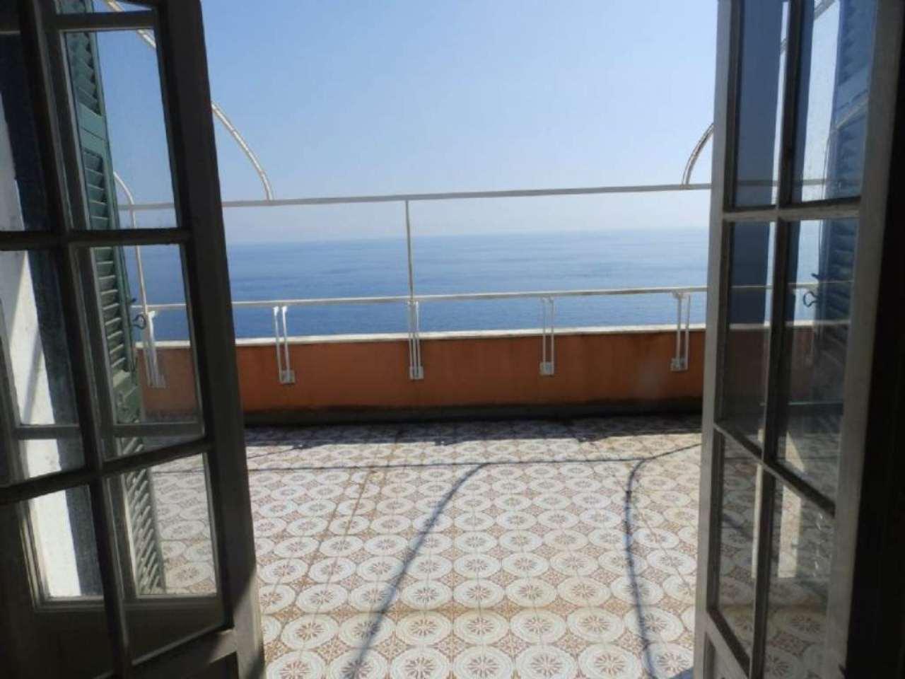 Appartamento in vendita a Sori, 6 locali, prezzo € 600.000 | CambioCasa.it