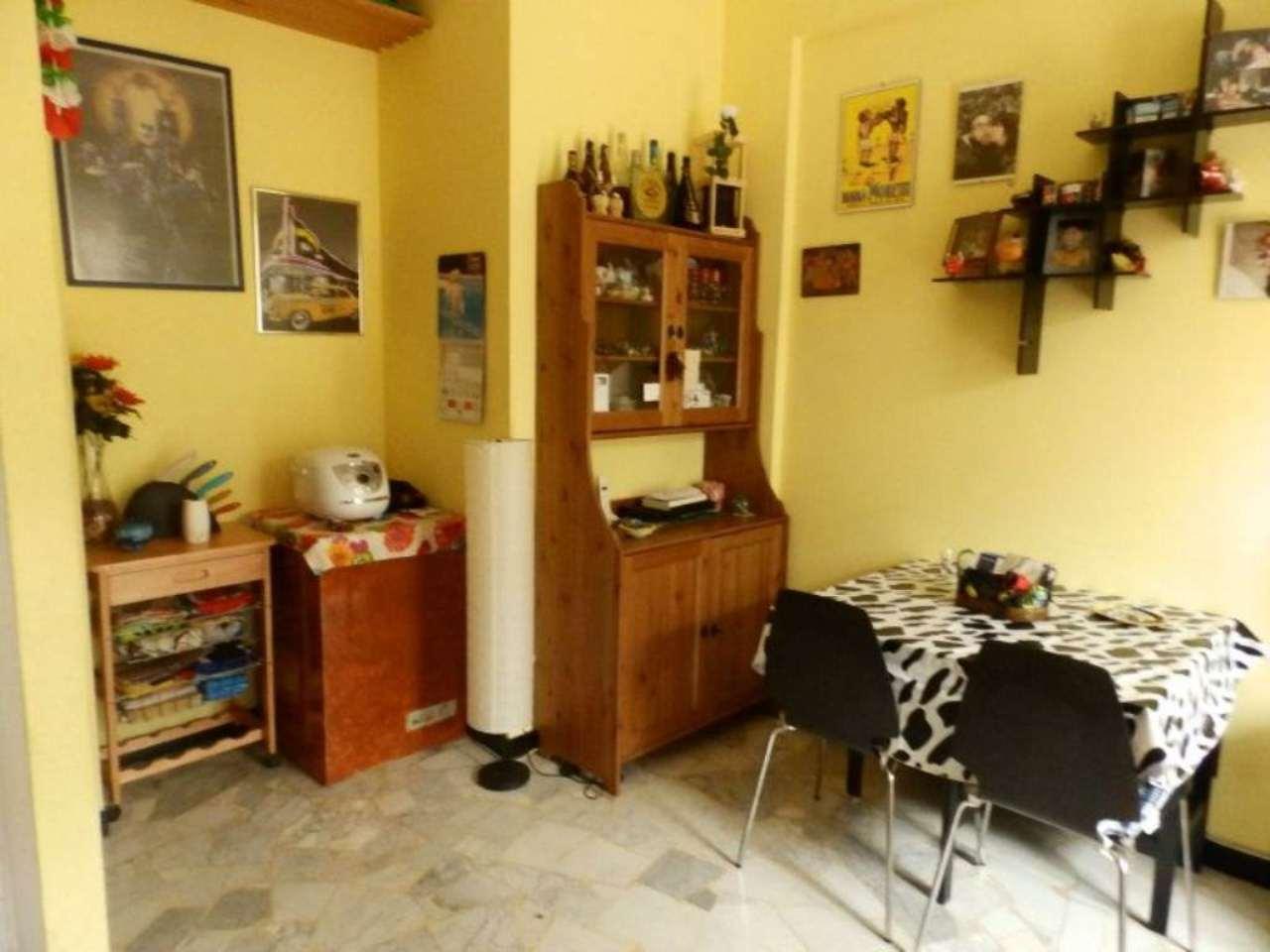Bilocale Genova Via Gaeta 4