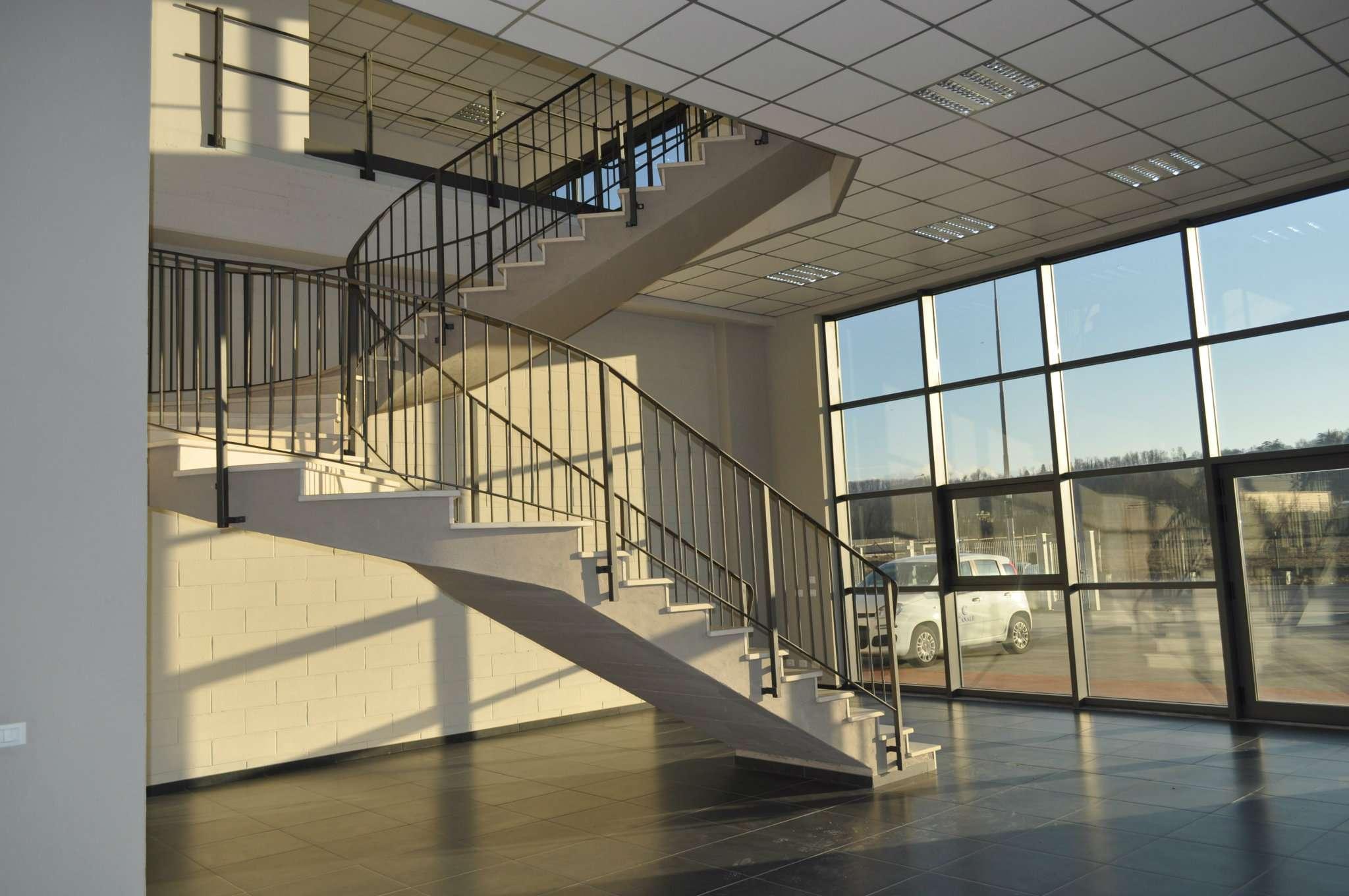 Capannone in affitto a Novi Ligure, 9999 locali, prezzo € 2.500 | Cambio Casa.it