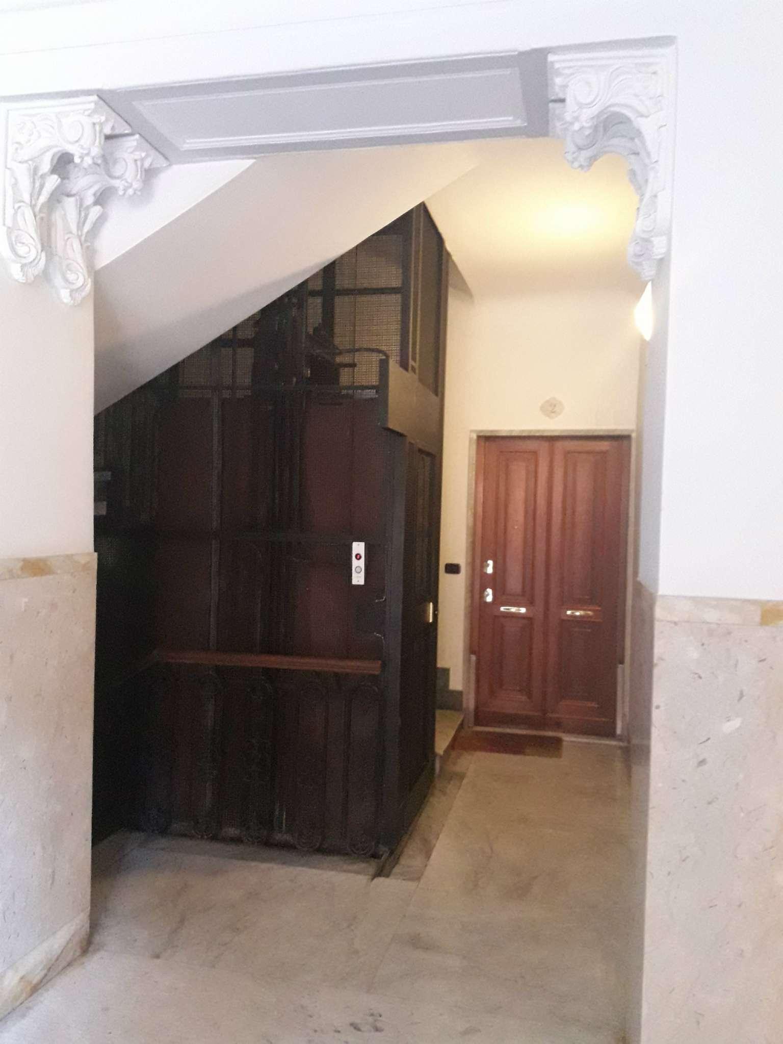 Foto 6 di Appartamento corso Torino, Genova (zona Carignano, Castelletto, Albaro, Foce)