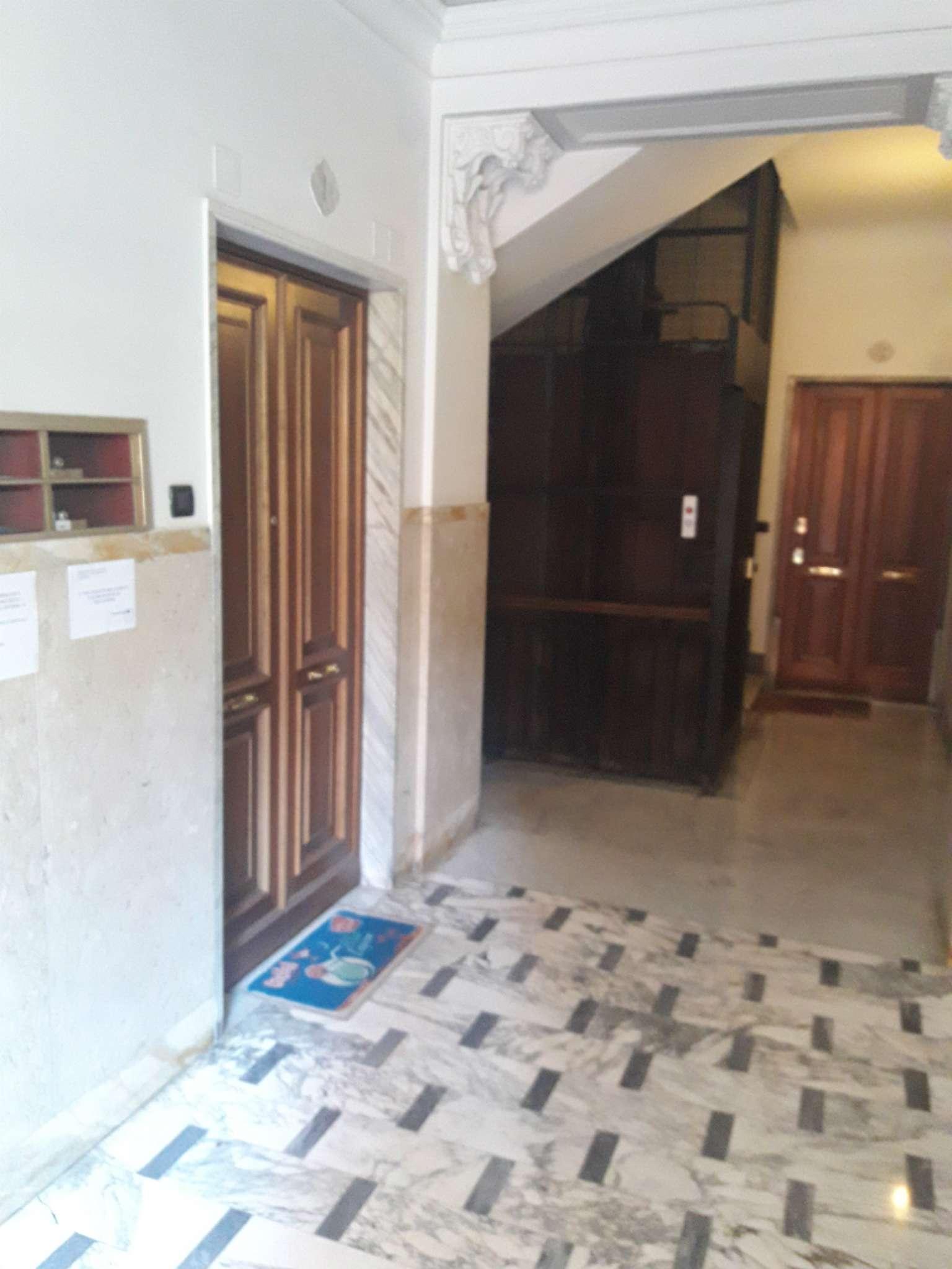 Foto 7 di Appartamento corso Torino, Genova (zona Carignano, Castelletto, Albaro, Foce)