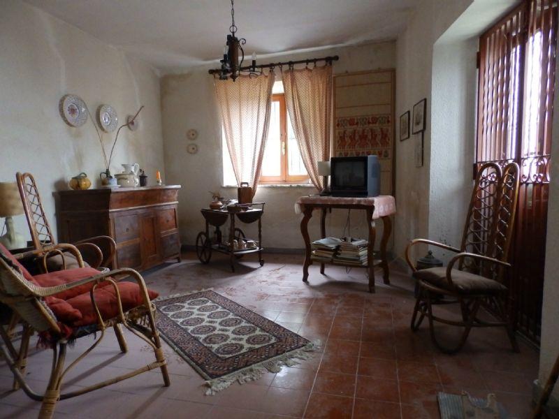 Soluzione Indipendente in vendita a Sillano Giuncugnano, 6 locali, prezzo € 135.000 | Cambio Casa.it