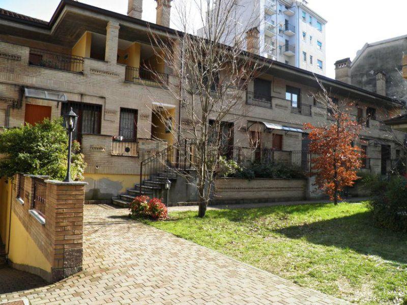 Appartamento in vendita a Baranzate, 2 locali, prezzo € 120.000 | Cambiocasa.it