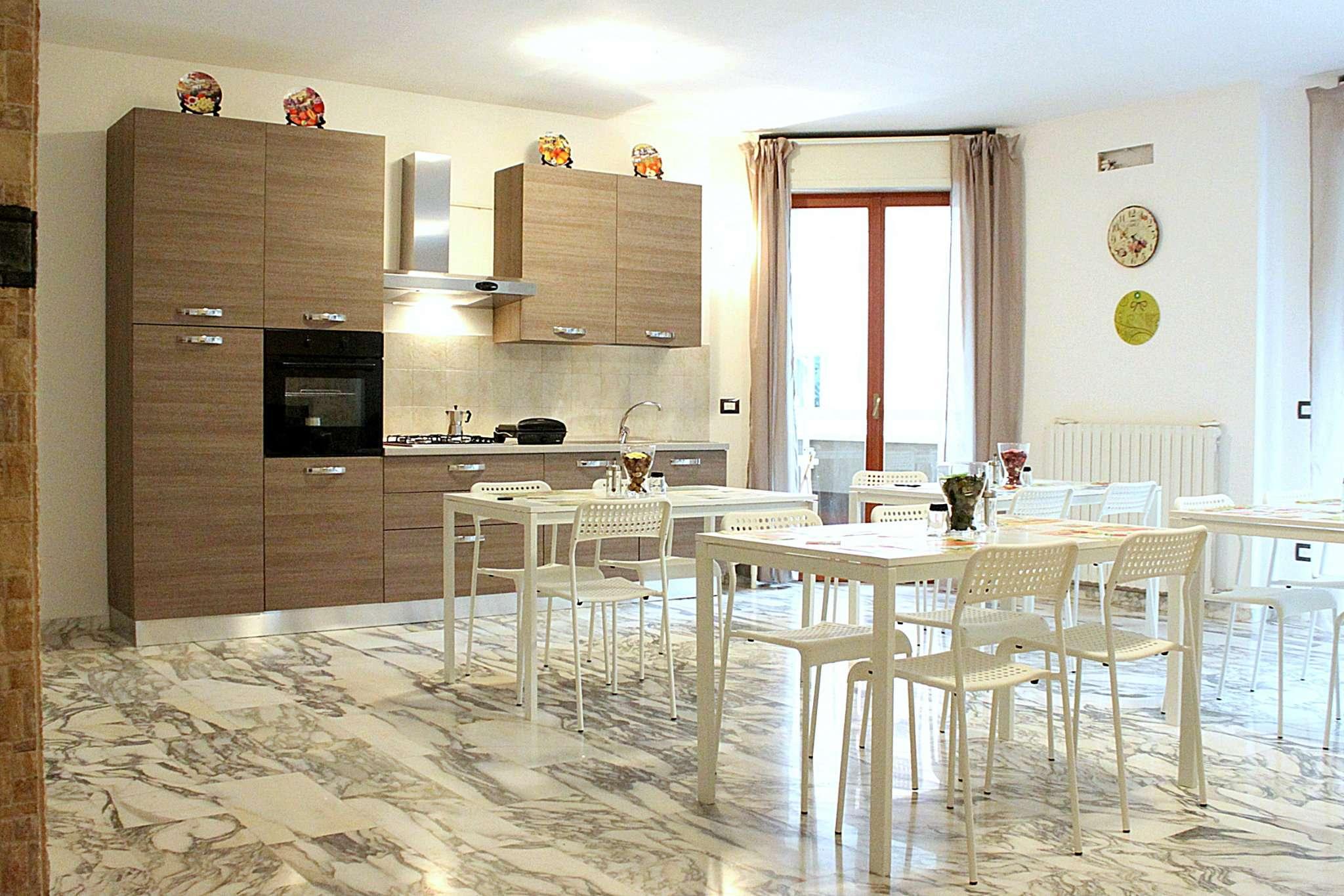 Altro in affitto a Milano, 7 locali, zona Zona: 14 . Lotto, Novara, San Siro, QT8 , Montestella, Rembrandt, prezzo € 600   Cambio Casa.it