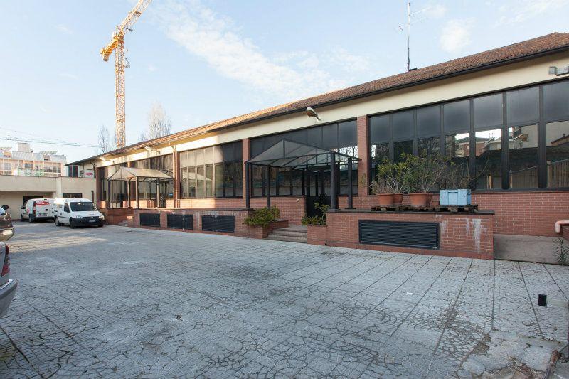 Capannone in vendita a Milano, 9999 locali, zona Zona: 17 . Quarto Oggiaro, Villapizzone, Certosa, Vialba, prezzo € 2.550.000 | Cambio Casa.it