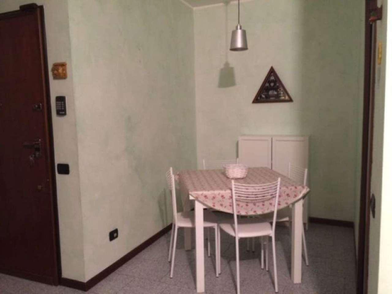 Bilocale Milano Via Appennini 4