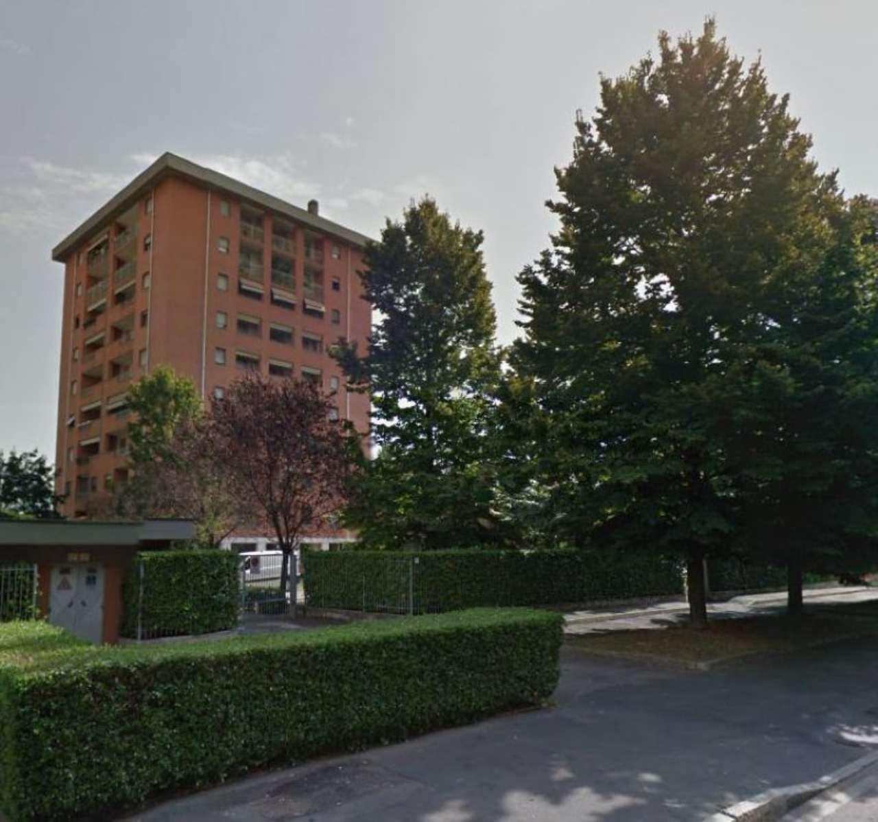 Bilocale Milano Via Appennini 1